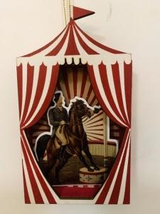 Dreveny domek cirkus