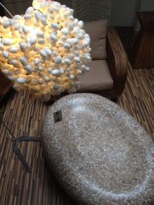 Designový konferenční stolek bíly  Izza