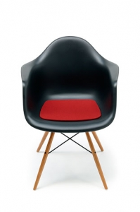 Sedák Eames plastic armchair